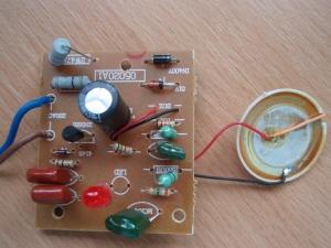 Malo ucinny 1 tranzistorovy odpuzovac
